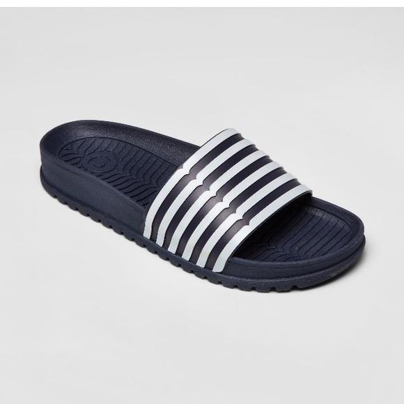 1a4e705c3d51c Hunter for Target women striped slide sandals